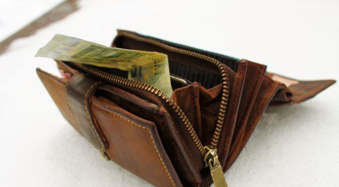 Investičné životné poistenie má rovnaký efekt, akoby ste svoje peniaze spláchli do záchoda