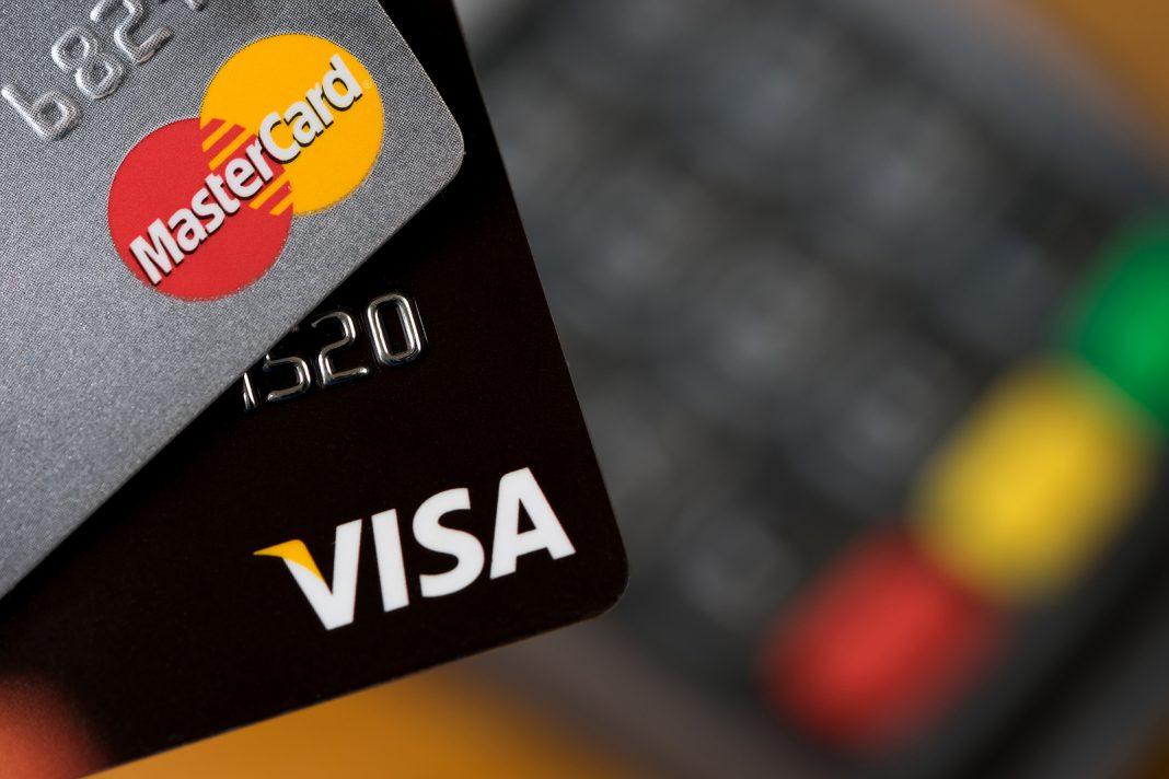 Kreditná verzus debetná karta: Poznáte rozdiely?